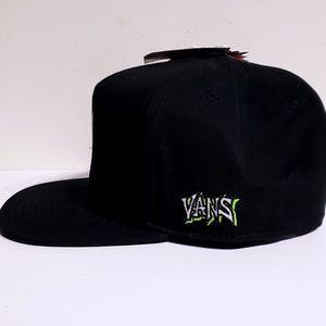 Vans Accessories - Vans x Marvel Venom Black Snapback Hat Adult 93b3368e1d58